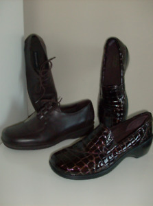 2 Pr Size 9 New Clark Shoes & Rockport Shoes - Great Deal !!