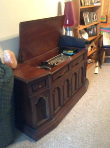 Vintage Electrohome stereo console