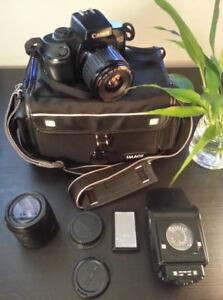 Canon EOS 700 35mm SLR film camera, extra lens & Speedlite