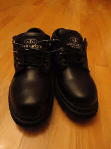 MENS LEATHER DRESS SHOES BLACK SIZE 9 - BRAND NEW