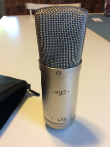 Apex condenser microphone (with case)