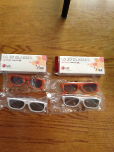 4 pairs of LG 3D TV glasses, as new condition