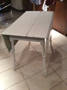 TABLE a BATTANT ANTIQUE.