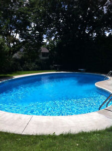 In ground pool and hot tub ! All inclusive with cable & internet