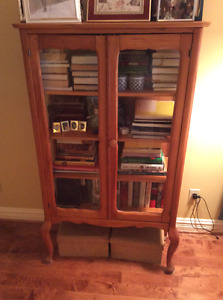 Wood-glass cabinet/bookcase
