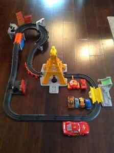 Cars Lightning McQueen Remote Track with Extra Cars