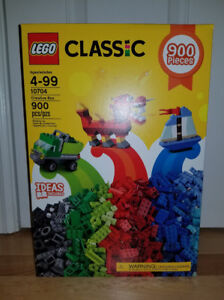 Lego Classic 10704 Creative Box - 900 Pieces Brand New Unopened