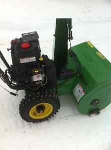 Snowblower/Souffleuse John Deer