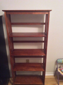 Book shelf ...$5 only. Pick up only .9028776004