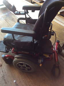 Reduced..Quantum 6000Z ELECTRIC Power Wheelchair  FOR SALE