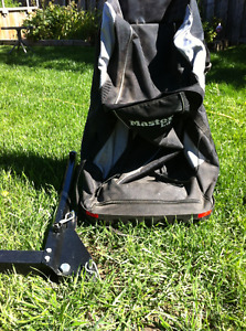 Hitch mounted travel bag