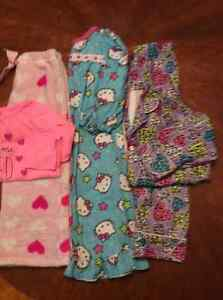 Girls size 4/5 clothes London Ontario image 2