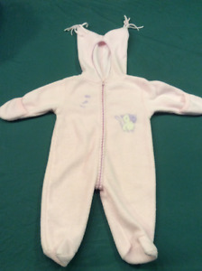 Baby girl pink fleece suite for fall/winter, size 6 months