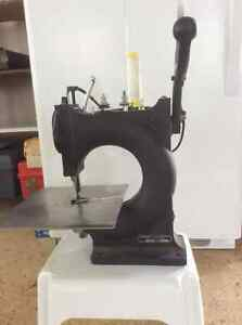 Leather hand sewing machine