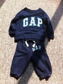 Gap navy baby track suit, 6-12 months