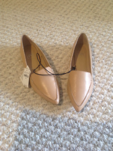 Beautiful brand new ladies shoes from the GAP size 8.5