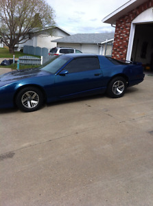 1991 Pontiac Firebird...  T-Top... 5-speed... 5.0 V8...
