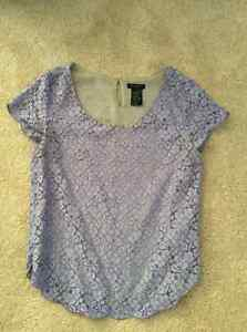 Aritzia's Talula brand Lilac lace shirt in size small