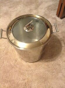 Very large cooking pot