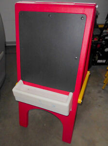 Little Tikes easel with chalkboard and clip for paper