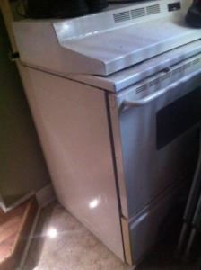 stove with self cleaning oven