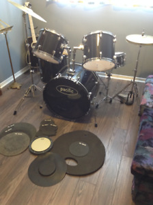 Pacific Full Size Drum Kit