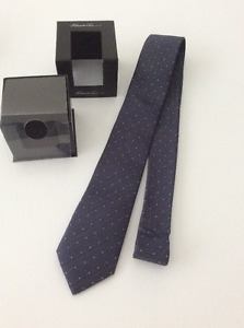 New Kenneth Cole Tie $15
