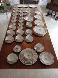 Royal Doulton fine bone china dinnerware Gatineau Ottawa / Gatineau Area image 6
