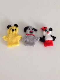 SOOTY SWEEP SOO hand knitted made FINGER PUPPETS Xmas stocking filler set christmas