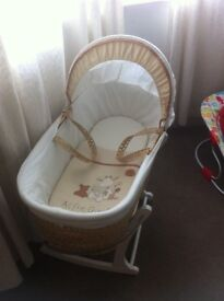 Alfie giraffe Moses basket with rocking stand