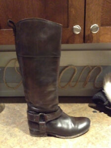 FRYE BOOTS - size 5.5