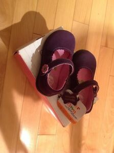 Buster Brown - toddler girls' shoes - NEW- Size 5/EUR 21