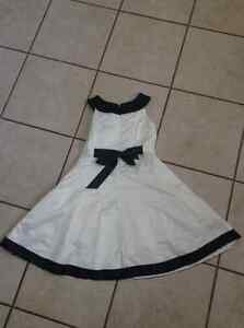 Size 7 Satin cream dress with black trim Gatineau Ottawa / Gatineau Area image 2