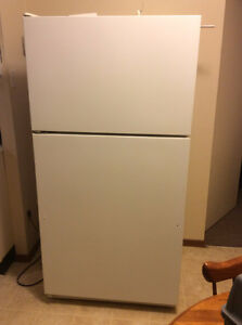 KENMORE FRIDGE LARGE CAPACITY