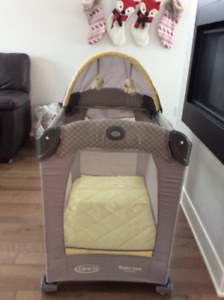Parc graco travel Life crib