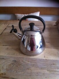 Le crueset kettle - chrome