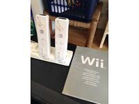 Wii remotes, Consol, wifi fit board, accessories