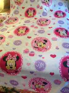 Super Sweet Minnie Mouse Twin Ensemble & Curtains Wall stickers Cornwall Ontario image 5