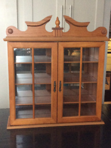 VINTAGE CURIO CABINET FOR MINITURES  LIKE RED ROSE TEA ORNAMENTS