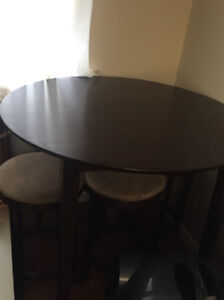 Kitchen Table with Four Stools