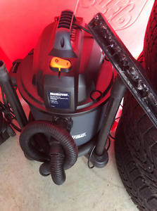 Medium shop vac