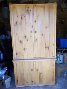 Country style solid wood pine cabinet