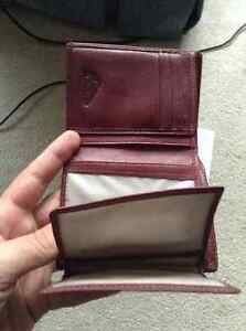 Red Quixsilver wallet Kingston Kingston Area image 4