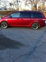 2011 Toyota Sienna LE, Low Kms.