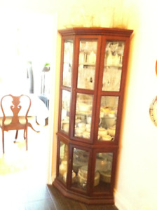 5 Shelve Curio Corner Display Cabinet in Perfect Condition