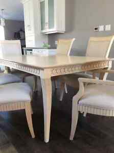 Dining set solid wood with 6 chairs, table, buffet and hutch Oakville / Halton Region Toronto (GTA) image 4
