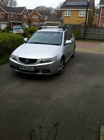Honda Accord Original Roof Bars Lockable with four keys Pick up only Very good condition