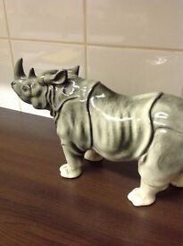 Little pot rhino in good condition.