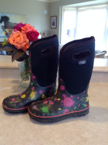 BOGS - Winter/Water Proof Boots - Youth Size 4: $80