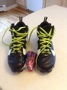 Football cleats size 7